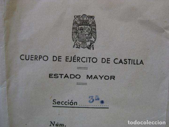 DOCUMENTO CONCEDIENDO LA CRUZ ROJA DEL MERITO MILITAR - FIRMA GENERAL JEFE EJERCITO DE CASTILLA (Militar - Guerra Civil Española)