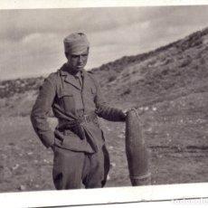 Militaria: SOLDADO CTV ITALIANO SECTOR ZUERA (ZARAGOZA) PROYECTIL 105 FRENTE ARAGON 1937 GUERRA CIVIL. Lote 173833902