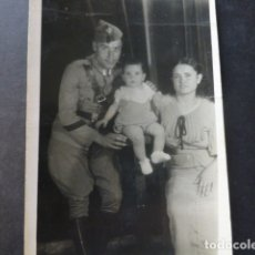 Militaria: SAN MARTIN VALDEIGLESIAS MADRID RETRATO FAMILIA ALVAREZ SERRANO 1937 GUERRA CIVIL SOLDADO INGENIEROS. Lote 175357928