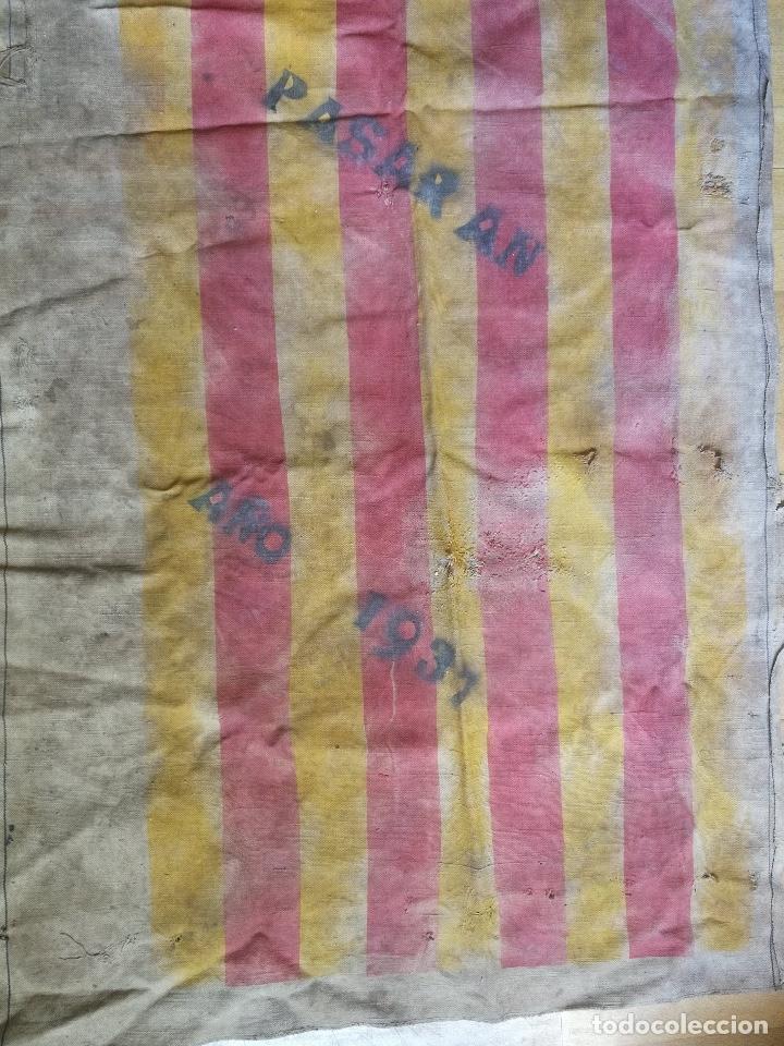 Militaria: ANTIGUA E IMPRESIONANTE BANDERA DE LA GUERRA CIVIL - CON EL LEMA - NO PASARAN - AÑO 1937 - ZONA ARAG - Foto 3 - 181865700