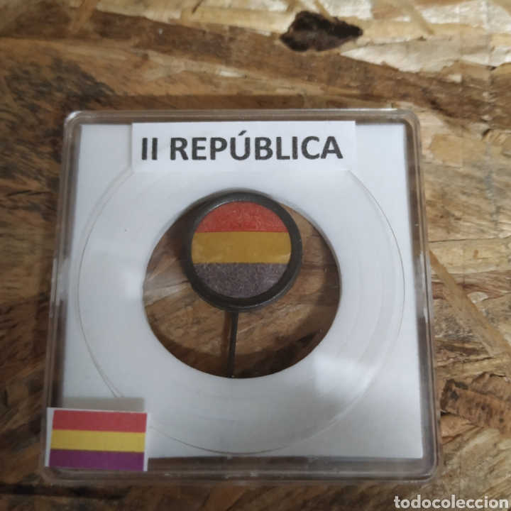 Militaria: Bandera aguja de solapa de la República - Foto 2 - 182405396