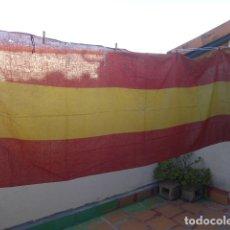 Militaria: * ANTIGUA GRAN BANDERA DE ESPAÑA DE BALCON, ORIGINAL, GUERRA CIVIL Y POSGUERRA. 2,8 METROS. ZX. Lote 200830180