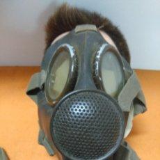 Militaria: MASCARA DE GAS ITALIANA DE GUERRA CIVIL, ORIGINAL CON FUNDA. Lote 185892717