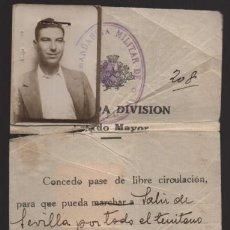 Militaria: SEVILLA, PASE DE LIBRE CIRCULACION CON FOTO Y SELLOS ,-VER FOTOS. Lote 198472700