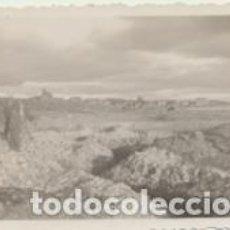 Militaria: FOTOGRAFÍA (6X8) NOVIEMBRE 1937. OFICIALES EN EL SECTOR DE MOLINA DE ARAGÓN. AL FONDO HUERTA HERNAND. Lote 219150716