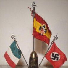 Militaria: BANDERINES (ESPAÑA FRANCO - ITALIA MUSSOLINI - ESVÁSTICA NAZI) SOBRE BOMBA VIRGEN PILAR GUERRA CIVIL. Lote 247525820