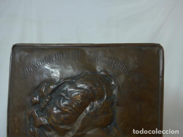 Militaria: Antiguo recuerdo en cobre de I guerra mundial, original, Ingles. 1914. Relieve reina Elisabeth. - Foto 2 - 137803958
