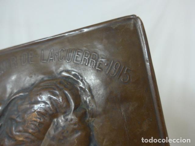 Militaria: Antiguo recuerdo en cobre de I guerra mundial, original, Ingles. 1914. Relieve reina Elisabeth. - Foto 3 - 137803958