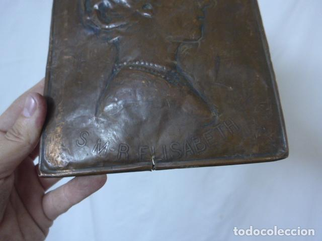 Militaria: Antiguo recuerdo en cobre de I guerra mundial, original, Ingles. 1914. Relieve reina Elisabeth. - Foto 7 - 137803958
