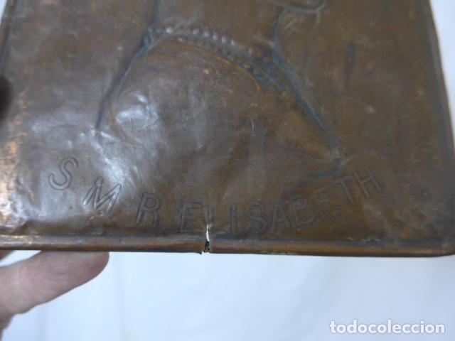 Militaria: Antiguo recuerdo en cobre de I guerra mundial, original, Ingles. 1914. Relieve reina Elisabeth. - Foto 8 - 137803958
