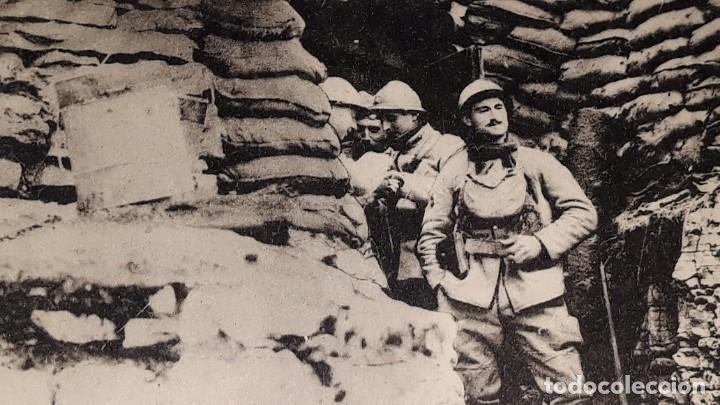 Militaria: ANTIGUA POSTAL WWI - I GUERRA MUNDIAL - FRENTE ITALIANO SOLDADOS FRANCESES EN UN REFUGIO - Foto 4 - 184073177