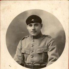 Militaria: ORIGINAL - SOLDADOS / OFICIALES FRANCESES CAZADOR DE MONTAÑA - II GUERRA MUNDIAL - 14 X 8 CMS. Lote 191963707