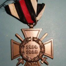 Militaria: MEDALLA CRUZ DE HONOR PARA COMBATIENTES. 1ª GUERRA MUNDIAL. ALEMANIA FABRICANTE 2 R.V. PFORZHEIM. Lote 195474013