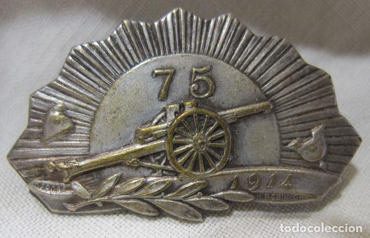 MEDALLA AGUJA CAÑON 75 (CANON 75). PRIMERA GUERRA MUNDIAL. FIRMADA H. ROBIN GRAY. 1914-. 2 X 3,5 CM (Militar - I Guerra Mundial)