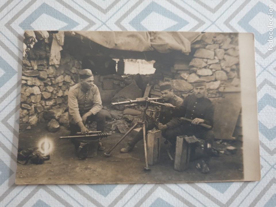 CARTA POSTAL 1 GUERRA MUNDIAL ,SOLDADOS EN NIDO DE AMETRALLADORAS. (Militar - I Guerra Mundial)