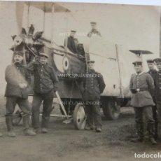 Militaria: FOTOGRAFÍA ORIGINAL. 1ª GUERRA MUNDIAL. AVIÓN Y SOLDADOS ALEMANES (7 X 5,5 CM). Lote 295510438