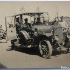 Militaria: FOTOGRAFÍA ORIGINAL. 1ª GUERRA MUNDIAL. COCHE ALEMÁN Y SOLDADOS (5,5 X 3,5 CM). Lote 295514078