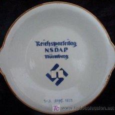 Militaria: PLATO DE PRESENTACIÓN DEL CONGRESO DEL NSDAP EN 1933. EN PORCELANA BLANCA DE ESCHENBACH, EN BAVIERA. Lote 26503400