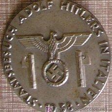 Militaria: DISTINTIVO DE LA ESCOLTA OFICIAL DE HITLER DURANTE SU VISITA A ITALIA EN 1938. METAL PLATEADO. MAR. Lote 27154714