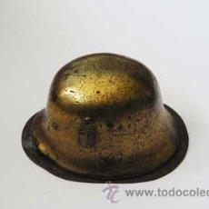 Militaria: PISAPEPELLES EN FORMA DE UN CASCO. SEGUNDA GUERRA MUNDIAL. ALEMANIA. 1939-45.. Lote 9049636