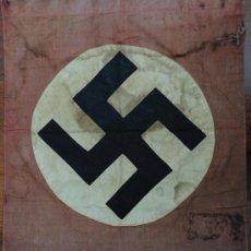 Militaria: BANDERA ORIGINAL DEL III REICH. POSIBLEMENTE TRAIDA DE BERLIN POR EL CUERPO DIPLOMATICO ESPAÑOL. Lote 32780467