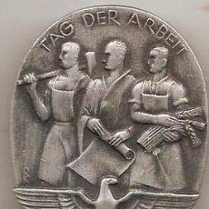Militaria: ALEMANIA NAZI. PLACA DEL DÍA DEL TRABAJO. 1935. Lote 241166445