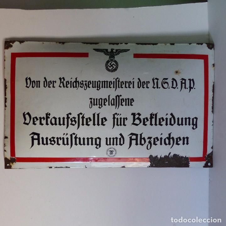 CHAPA ESMALTADA DE LA NSDAP PARA VENTA DE EQUIPAMIENTO Y MEDALLAS. ALEMANIA, SEGUNDA GUERRA MUNDIAL. (Militar - II Guerra Mundial)