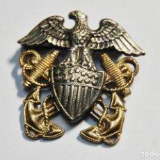 Militaria: INSIGNIA DE PLATA MACIZA Y ORO PARA GORRA DE OFICIAL DE LA MARINA U.S.A. 2ª GUERRA MUNDIAL.. Lote 124455155