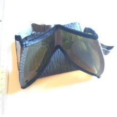 Militaria: GAFAS ANTI POLVO, WH, COLOREADAS CON BOLSA PAPEL. Lote 125431607