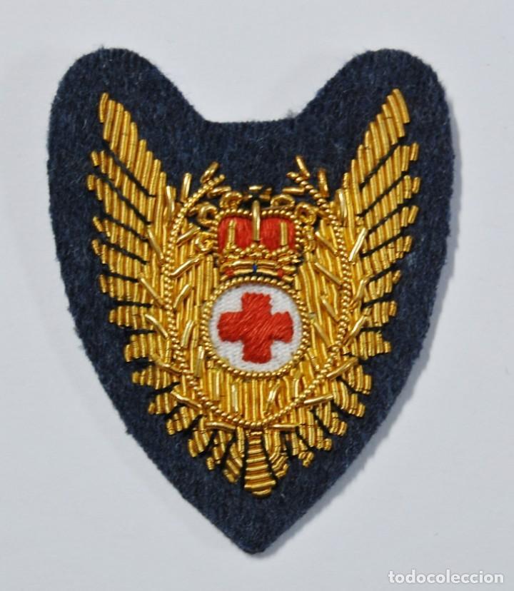 BELLISIMO DISTINTIVO DE ENFERMERA OFICIAL DE VUELO DE LA R.A.F DE INGLATERRA.SEGUNDA GUERRA MUNDIAL. (Militar - II Guerra Mundial)