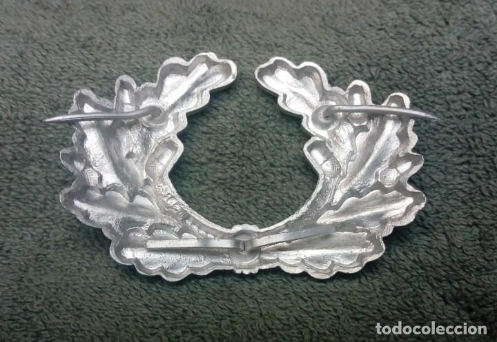 Militaria: Emblema de aluminio Wehrmacht-Heer para gorra de plato (Schirmmütze). Completo 100% - Foto 2 - 151079986