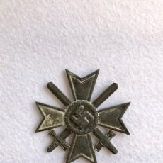 Militaria: CRUZ AL MÉRITO DE GUERRA CON ESPADAS, 1939. TERCER REICH - HITLER - NAZI - ESVÁSTICA. Lote 171741858