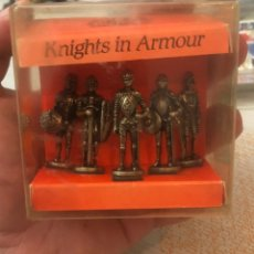 Militaria: SET CAJA BOX 5 CABALLEROS CON ARMADURA KNIGHTS IN ARMOUR MARCA WESTAIR REINO UNIDO UNITED KINGDOM.. Lote 182550732