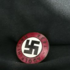 Militaria: INSIGNEA POLÍTICA ALEMANA NAZIONAL SOCIALISMO ADOLF HITLER 1933 ENVIO GRATIS. Lote 186459216