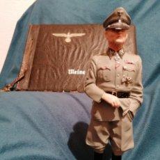 Militaria: GRAN FIGURA DE PLOMO OFICIAL ALEMAN DE LAS SS. WWII. FIRMADA DE PRADO 91. Lote 189295441