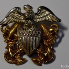 Militaria: INSIGNIA DE PLATA MACIZA Y ORO PARA GORRA DE OFICIAL DE LA MARINA U.S.A. 2ª GUERRA MUNDIAL.. Lote 192547012