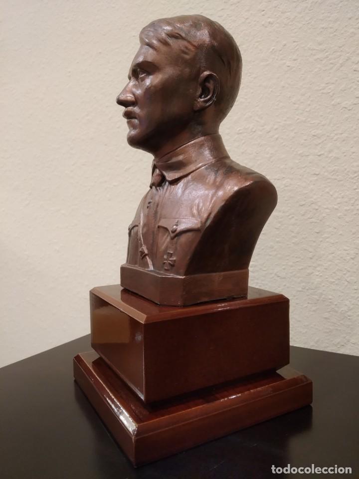 Militaria: BUSTO EN BRONCE DE ADOLF HITLER -CON PEANA DE MADERA- III REICH - Foto 3 - 195130617