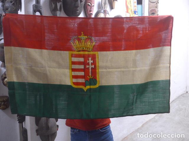 ANTIGUA BANDERA DE HUNGRIA ORIGINAL DE LA II GUERRA MUNDIAL, FABRICACION DE BARCELONA, CASTELLS. (Militar - II Guerra Mundial)