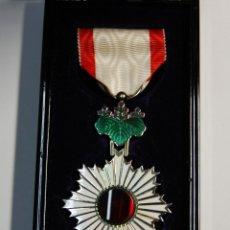 Militaria: MEDALLA PLATA MACIZA DE JAPON.ORDEN SOL NACIENTE DE 5ª CLASE.2ª GUERRA MUNDIAL.. Lote 198512598