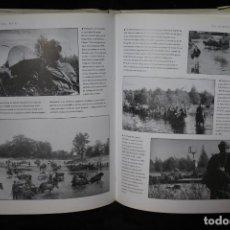 Militaria: FRENTE DEL ESTE WWII LIBRO IMAGENES TAPA DURA. Lote 201656370