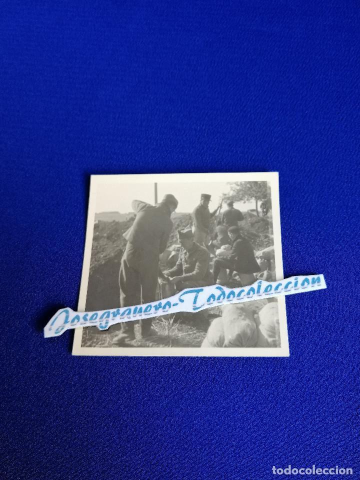 SOLDADOS EN LA TRINCHERA (Militar - II Guerra Mundial)