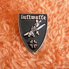 Militaria: INSIGNIA PIN RETRO DE LA LUFTWAFFE - FUERZA AEREA ALEMANIA NAZI EN II GUERRA MUNDIAL - AVION STUKA. Lote 205573645