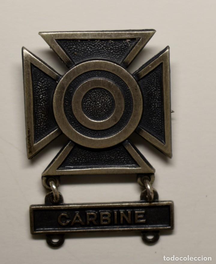 INSIGNIA PLATA .EXPERTO TIRADOR CON CARABINA.EJERCITO U.S.A. 2ª GUERRA MUNDIAL. (Militar - II Guerra Mundial)