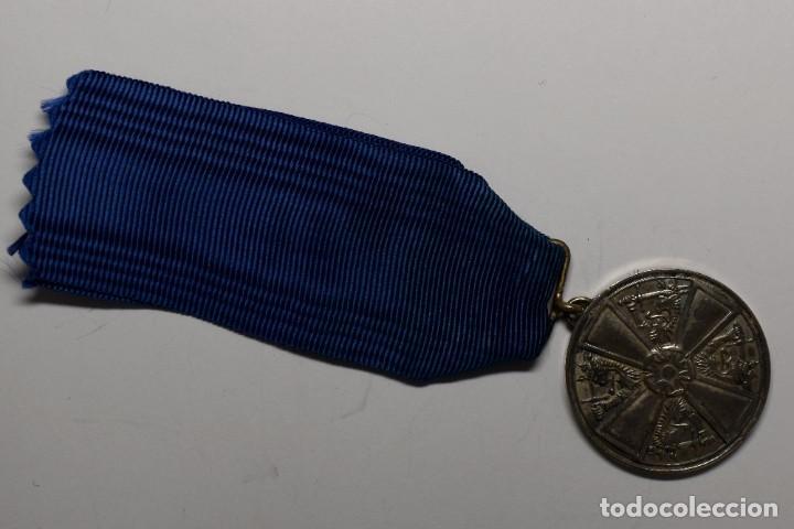 MEDALLA PLATA MACIZA.ORDEN DE LA ROSA BLANCA DE 2ª CLASE DE FINLANDIA.2ª GUERRA MUNDIAL. (Militar - II Guerra Mundial)