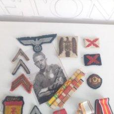 Militaria: LOTE PARCHES, CINTAS, ETC..CAMISA VIEJA FALANGE DIVISIÓN AZUL. Lote 210169875