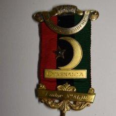 Militaria: MEDALLA MASONICA PLATA MACIZA Y ESMALTES INGLESA DE LA LOGIA DE TOBRUK.ES ENTRE LOS AÑOS 1920-1945. Lote 210344240