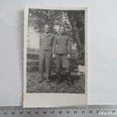 Militaria: SOLDADOS WEHRMACHT Y LUFTWAFFE POSANDO. Lote 211424730