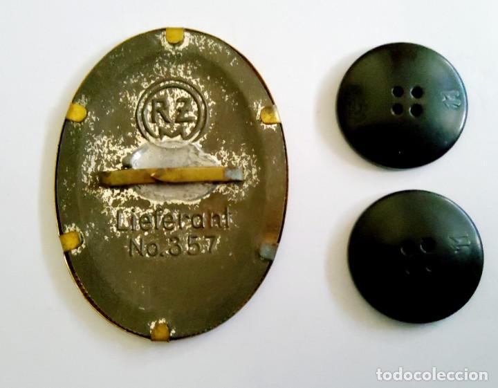 Militaria: DISTINTIVO DE GORRA Y PAREJA DE BOTONES DEL RAD DE ALEMANIA.2ª GUERRA MUNDIAL.. - Foto 2 - 155786310