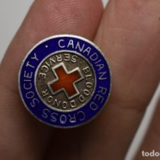 Militaria: INSIGNIA PLATA DE LOS DONANTES DE SANGRE CRUZ ROJA DE CANADA .SEGUNDAGUERRA MUNDIAL. Lote 215296175