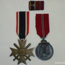 Militaria: LOTE FORMADO POR CRUZ AL MÉRITO MILITAR 2ª CLASE, OSTMEDAILLE Y PASADOR DE DIARIO.. Lote 216590696